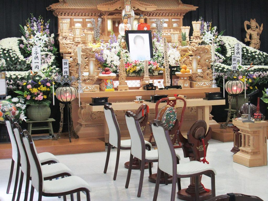 南知多町大井・葬儀会館つるや 祭壇